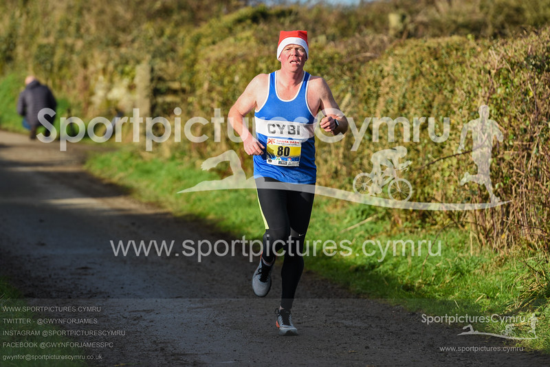 Llanfairpwll Santa Dash - 5013 - SPC_8073