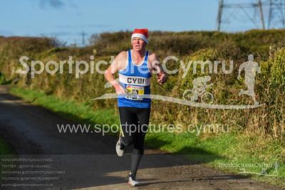 Llanfairpwll Santa Dash - 5017 - SPC_8075