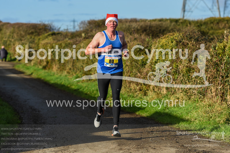Llanfairpwll Santa Dash - 5016 - SPC_8074