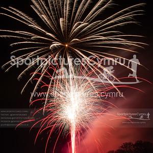 Caernarfon Fireworks - 5017- DSC_5585