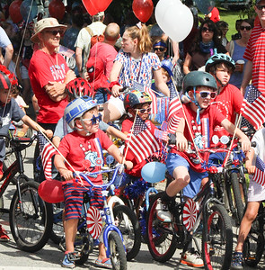 CP_Castine_4th_of_July_parade_lineup_071119_ML