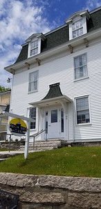 IA_Ear_photo_Ston_town_hall_060619