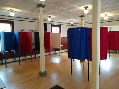 IA_Voting_Booths_01_110719_JS