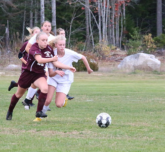 Sports_GSA_girls_soccer_Clementine_Bannon_102419_ML