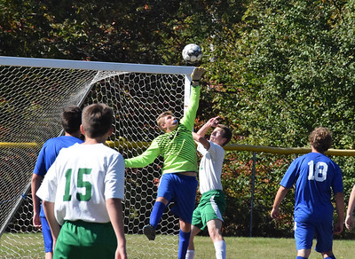 Sports_DISHS_boys_soccer_Joe_Snow_101019_JS