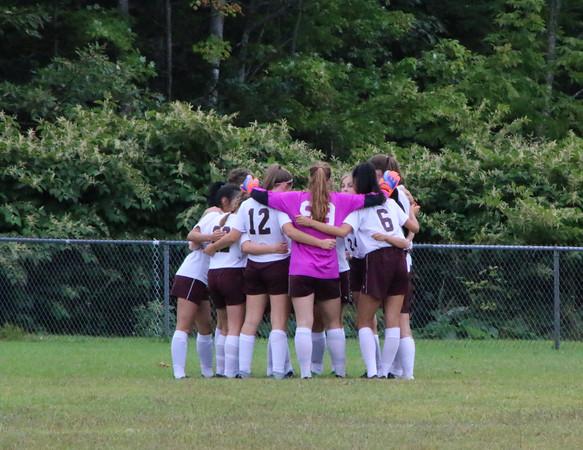 Sports_gsa_girls_soccer_v_bport_huddle_091919_AB