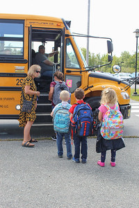 IA_First_day_of_school_lined_up_090519_ML