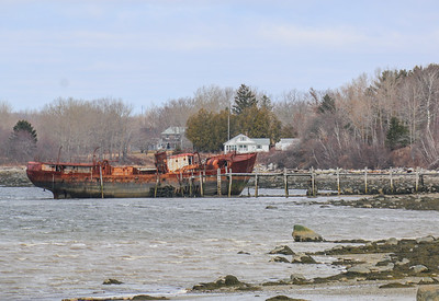 CP_abandoned_barge_morse_cove_040220_AB