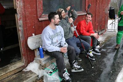 WP_hockey_tourney__bench_020620_EF