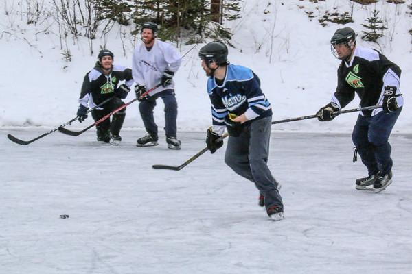 WP_hockey_tourney_big_guys_020620_EF