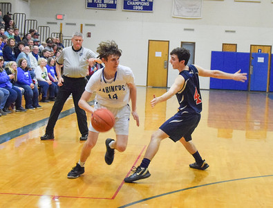 Sports_DIS_boys_ball_dylan_drives_by_013020_JS
