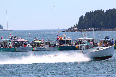 IA_Ston_lobster_boat_races_uncles_ufo__071218_AB