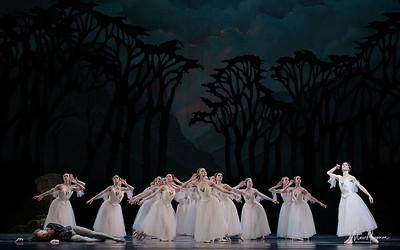Artur Shesterikov, Maria  Chugai, Anna Tsygankova and artists of Het Nationale Ballet