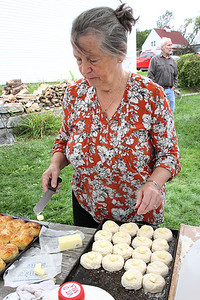 _CP_Picnic_Patty_making_biscuits_090221_RW