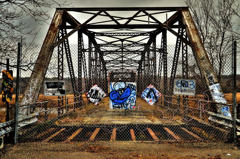 Old Cedar Avenue Bridge looking north