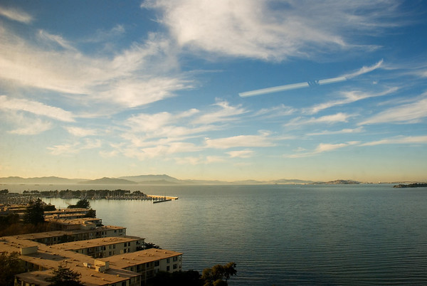 [365.328]  <i>Emeryville, California — November 24, 2009</i>  © Brendan Cox — All Rights Reserved