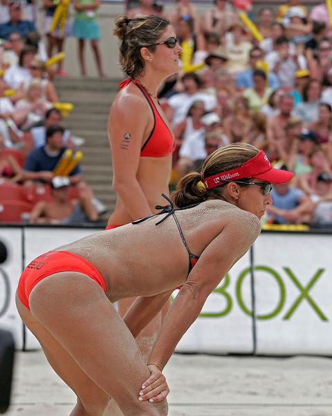 Nicole Branagh and Holly McPeak await serve