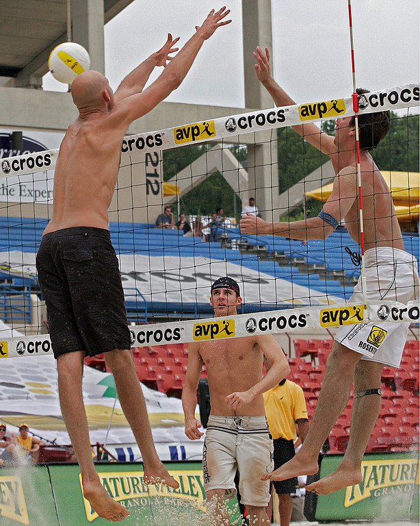Dalhausser and Rosenthal at net