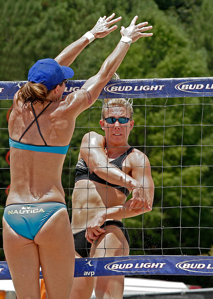 EY at the net