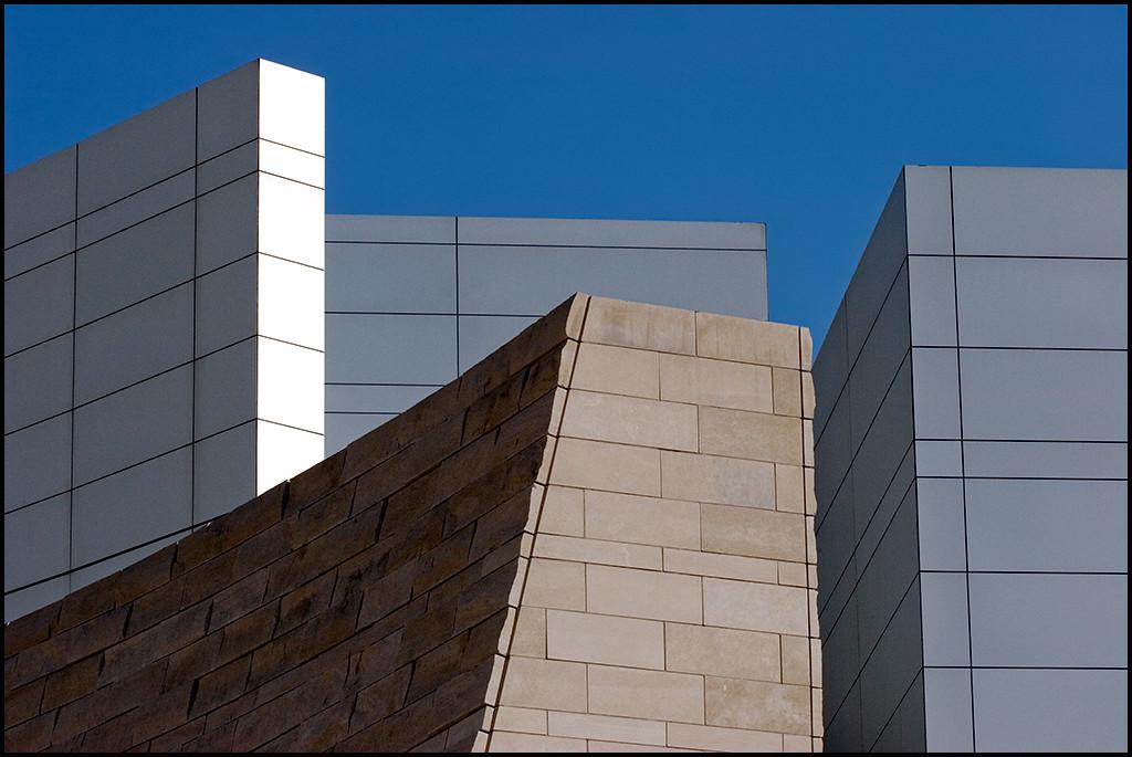 <center>Edifice, #7331</center>