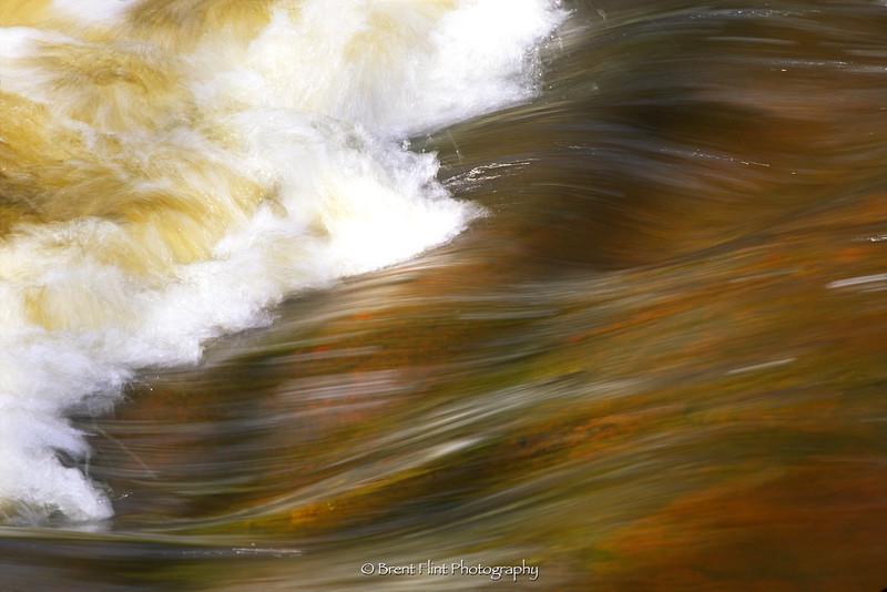 S.3424 - water pattern, Caribou River, Caribou Falls State Wayside, MN.