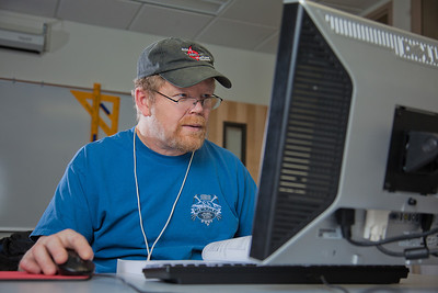 Dan Murphy completes an assignment in his computer aided design class at UAF's Community and Technical College.  Filename: AAR-11-3226-037.jpg
