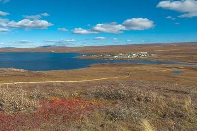 A boardwalk winds its way across the tundra near UAF's Toolik Field Station about 330 miles north of Fairbanks on Alaska's North Slope.  Filename: AAR-13-3929-347.jpg
