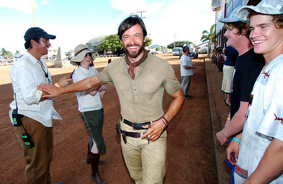 "BOWEN, QLD 16 MAY 2007 - Hugh Jackman has a laugh with Bowen locals on the set of ""Australia"" - PHOTO: CAMERON LAIRD (PH 0418 238811)"
