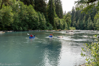 Two packrafters who launched from Bob Creek- about 11 trail miles up the Queets River from the trailhead.