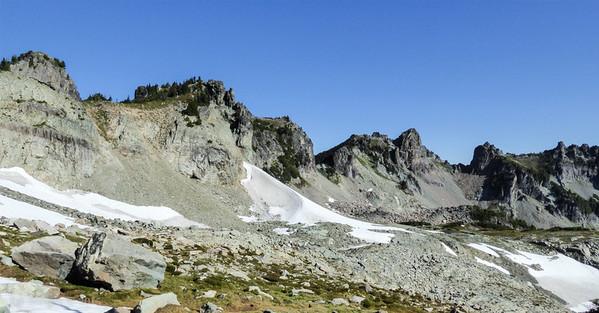 Knapsack Pass (center).