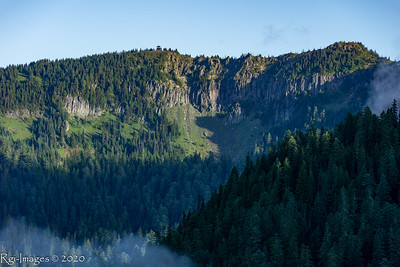 Fire lookout on Tolmie peak as seen from the Knapsack Pass trail.