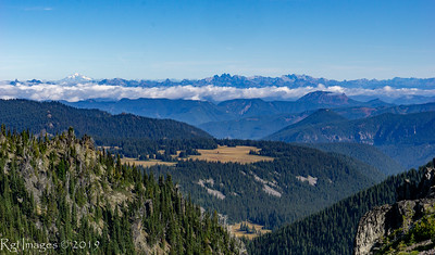 Grand Park (center) and Glacier Peak (left)