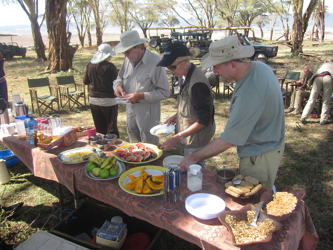 After a long morning shooting sunrise, then wildlife, we take a break for breakfast out in the field.