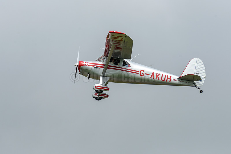 Luscombe Silvaire Deluxe G-AKUH