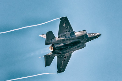 F-35 Lightning II Afterburner & Wingtip Contrails