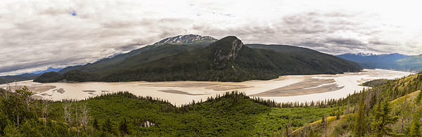 Copper River in Wrangell - St. Elias National Park near Chitina Alaska