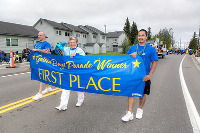 More than 200 UAF students, staff, faculty and administrators turned out to participate in the 2013 Golden Days parade through downtown Fairbanks.  Filename: AKA-13-3886-192.jpg