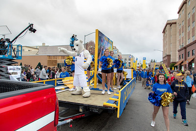 More than 200 UAF students, staff, faculty and administrators turned out to participate in the 2013 Golden Days parade through downtown Fairbanks.  Filename: AKA-13-3886-237.jpg