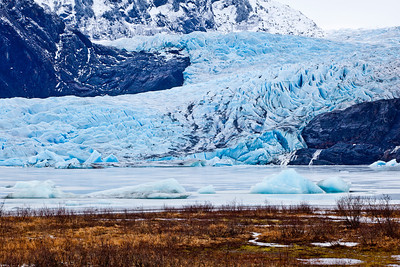 The Mendenhall Glacier near Juneau is one of Alaska's top tourist attractions.  Filename: AKA-11-2977-05.jpg
