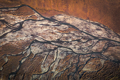 Threaded, multi-channeled rivers are common in northern Alaska.  Filename: AKA-13-3929-146.jpg