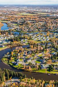 The Chena River winds through Fairbanks neighborhoods.  Filename: AKA-14-4312-103.jpg