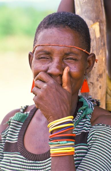 TONKA WOMAN SMILLING, ZIMBABWE