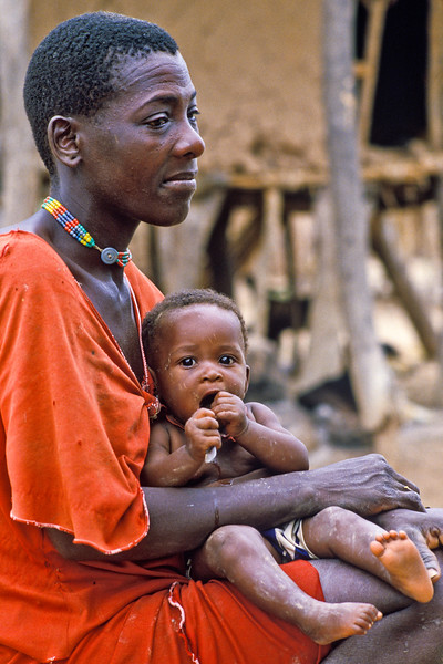 TONKA MOTHER AND CHILD, ZIMBABWE
