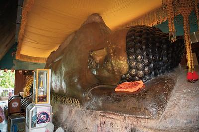 The reclining Buddha of Preah Ang Thom Pagoda
