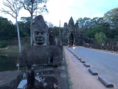 South Gate bridge at dusk