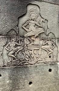 Ornate aspara bas-relief in Bayon