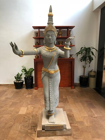 Thirdfold Statue