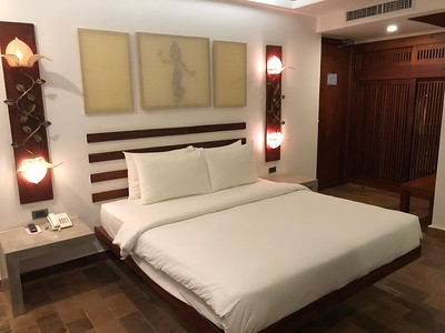 Thirdfold Bed