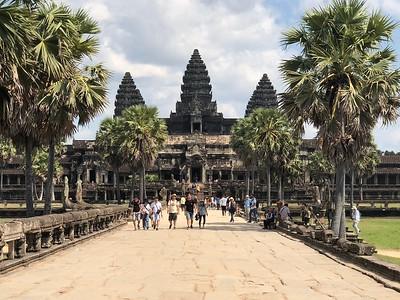 Avenue of Angkor Closer