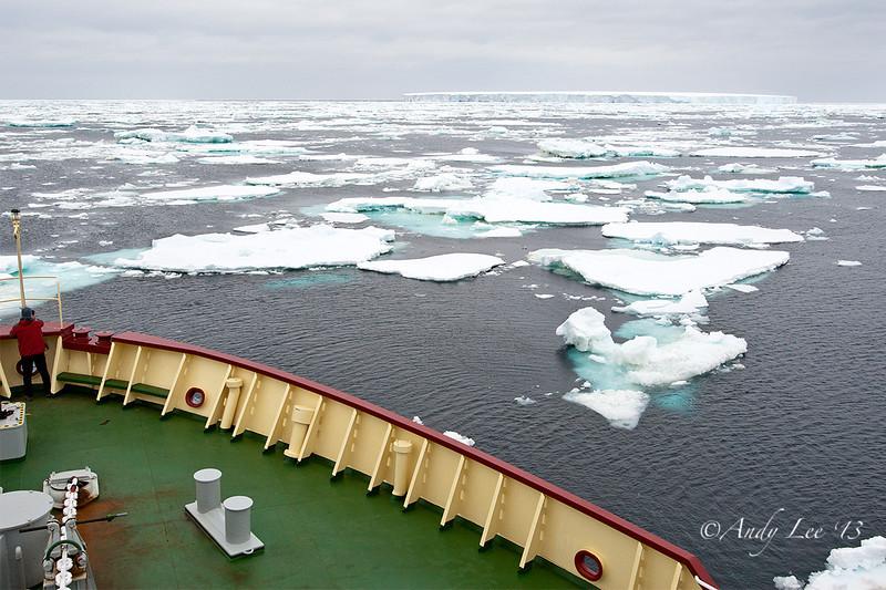 Iceberg Ahead!<br /> GPS -51.6979,  -61.7706